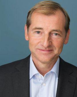 <p><b>MENER FORBUD IKKE ER VIKTIG:</b> Administrerende direktør Carl O. Geving i Norges Eiendomsmeglerforbund (NEF).</p>