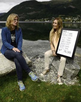 <p><b>FIKK HJELP TIL Å ORDNE OPP:</b> Monika Kvamme fikk hjelp av programleder Cecilie Lynum i TV-programmet Luksusfellen.</p>