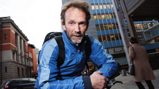 <p><b>USIKKER:</b> Sjeføkonom Harald Magnus Andreassen i Swedbank har tidligere gått ut og advart mot boligkrakk. Nå tar han større forbehold.</p>