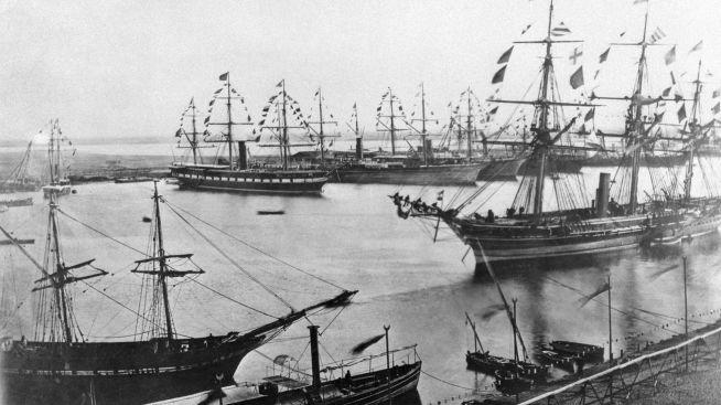 <p><b>FORRIGE GANG: E</b>t bilde datert november 1869 viser den offisielle åpningen av det første løpet i Suezkanalen.<br/></p>