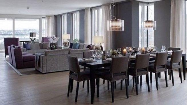 <p><b>STUE OG KJØKKEN:</b> Leilighetens stue og kjøkken er på totalt 120 kvadratmeter. Bildet gjengis med tillatelse fra megler.</p>