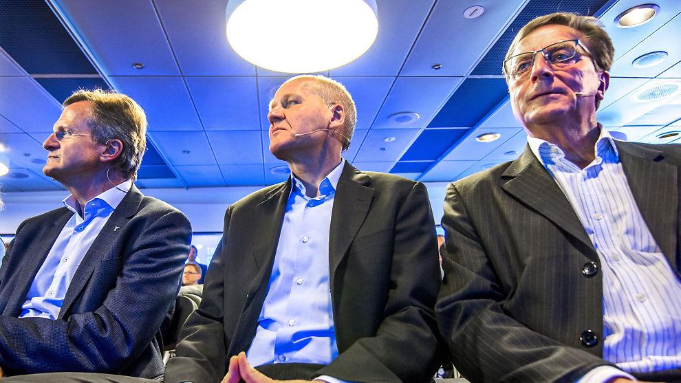 <p><b>TRE MENN:</b> Styreleder Svein Aaser, Sigve Brekke (midten) og Jon Fredrik Baksaas (t.v.) under presentasjonen av Sigve Brekke som ny konsersjef i Telenor i mai.</p>