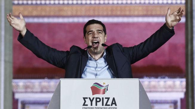 <p><b>SYV MÅNEDER SOM STATSMINISTER:</b> Alexis Tsipras parti Syriza fikk flest stemmer under parlamentsvalget 25. januar. Her taler han utenfor Universitetet i Aten.</p>