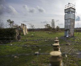 <p><b>FORFALL:</b> Det gamle Øst-Tyskland, her ved en tidligere DDR-grensepost utenfor Schlagsdorf.</p>