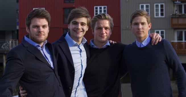 <p><b>TEAMET BAK MOJOB:</b> Fra venstre: Vegard Vangstad, Kristian Gjønnes, Tobias Nervik og Isak Malvik.<br/></p>