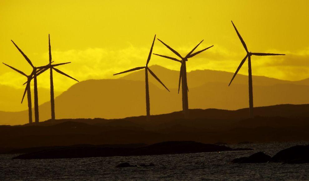 <p><b>VINDMØLLER:</b> Her fra vindparken på Smøla i Møre og Romsdal.<br/></p>
