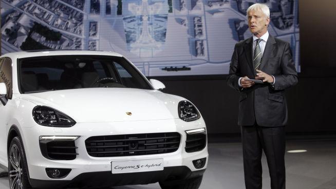 <p><b>MULIG NY TOPPSJEF:</b> Porsche-sjef Müller kan bli den som overtar etter Winterkorn som administrerende direktør og styreleder i Volkswagen-konsernet.</p>