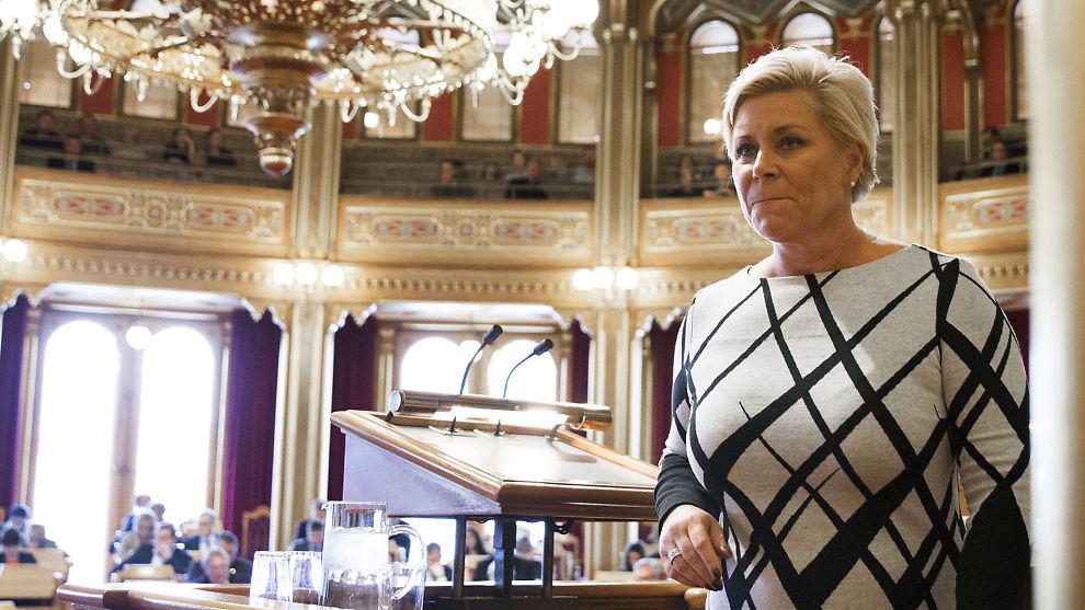 BUDSJETTFREMLEGGING: Finansminister Siv Jensen (Frp) under fremleggelsen av statsbudsjettet 2016 i Stortinget, onsdag.
