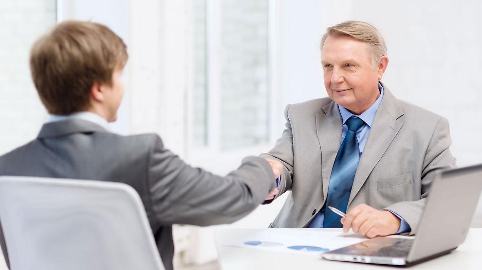 <p><b>FOR GAMMEL:</b> En klient på<b></b>57 år var for gammel da E24-kommentator Vivi-Ann Hilde ringte sin headhunter med en person som passet godt til en jobb. Hun mener det er et problem at få ansetter folk over 50 år.</p>
