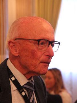 <p><b>VETERAN:</b> Tidligere Høyre-politiker, Kåre Willoch, mener pensjonsalderen godt kan heves som et ledd i utfordringene norsk økonomi står overfor.</p>