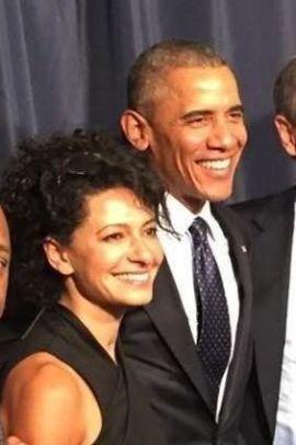 <p><b>MED OBAMA:</b> For noen måneder siden ble seriegründer Julie Hanna utpekt som ambassadør for å fremme globalt entreprenørskap av USAs president Barack Obama. Her er de avbildet i Kenya på Global Entrepreneurship Summit.<br/></p>
