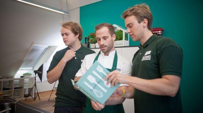 <p><b>GRÜNDERE:</b> Harald Aalvik, Adam Bjerck og Lasse Smedsvig har vært med å starte opp Adams Matkasse. De tror det vil komme mange flere aktører på markedet i årene som kommer.</p>