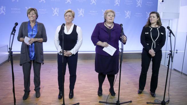<p><b>MEKTIGE KVINNER:</b> Flere av de store toppene i norsk næringsliv er kvinner. Fra venstre: LO-leder Gerd Kristiansen, finansminister Siv Jensen, statsminister Erna Solberg og NHO-leder Kristin Skogen Lund.<br/></p>