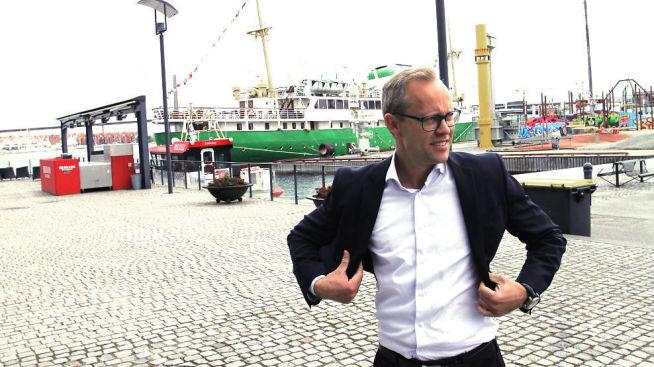 <p><b>TRENGER TILTAK:</b> – I rapporten fremstår Norsk olje og gass som en arbeidsgiverorganisasjon som avstår fra å ha synspunkter på hvordan den kan påvirke fremtiden. Det er både overraskende og uvanlig, sier sjeføkonom Kyrre Martinius Knudsen i Sparebank 1 SR-Bank til E24. Her er han avbildet utenfor oljemuseet i Stavanger.</p>