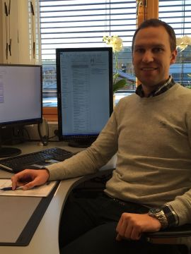 <p><b>PÅ KONTORET:</b> Medeier og del av ledergruppen Anders Lysaker i WePe Regnskap.<br/></p>