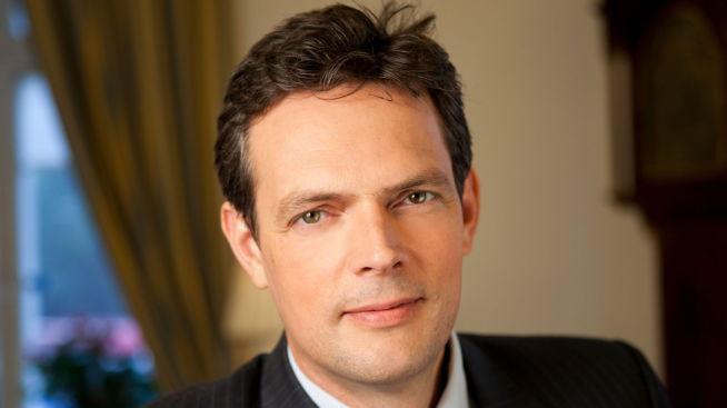 <p><b>– KAN SKJE:</b> Sjefstrateg for råvarer i SEB Bjarne Schieldrop forklarer hvorfor man nå snakker om oljepris ned mot 20-tallet.<br/></p>