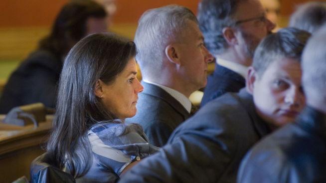<p><b>EKS-BYRÅD:</b> Anette Wiig Bryn (Frp) ville ikke delta i den åpne høringen om Holmenkollenskandalen i 2009. Seks år etter forteller hun til E24 om hva som gikk galt i skandaleprosjektet.<br/></p>
