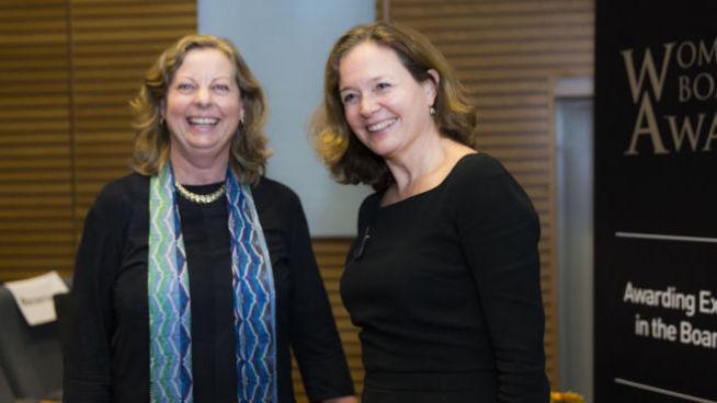 <p><b>IKKE GODE NOK:</b> Berit Svendsen og Hilde Tonne, her fra utdelingen av den prestisjefylte prisutdelingen «Women's Board Award»i Oslo i mars i år, hvor Hilde Tonne ble kåret til «Årets kivnnelige styremedlem» for 2014.</p>