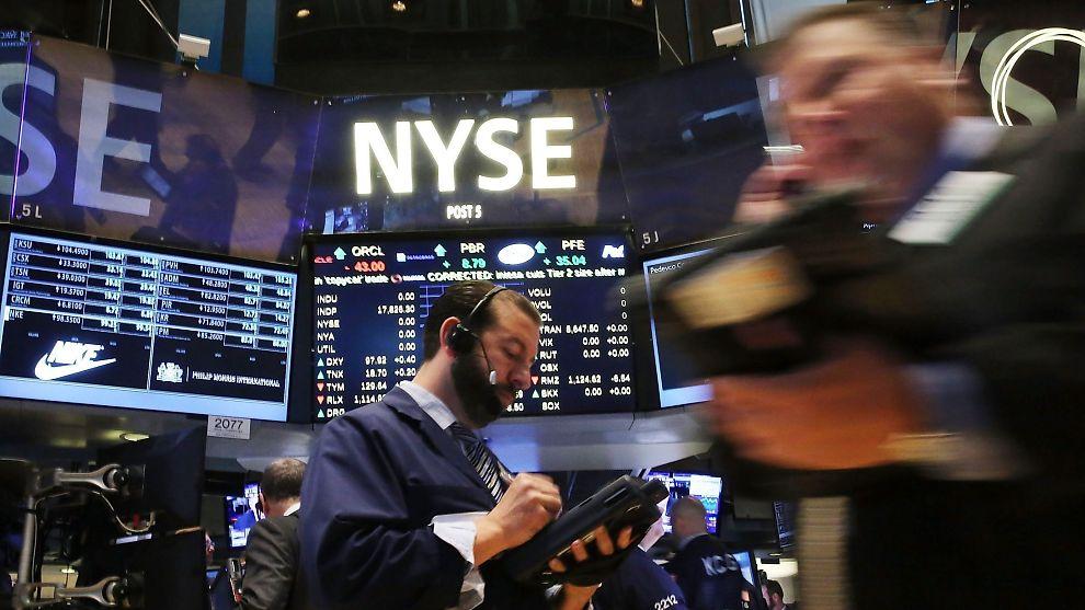 <p><b>KRAFTIG FALL:</b> Wall Street har aldri hatt en så tøff første uke som den som ble avsluttet fredag.</p>