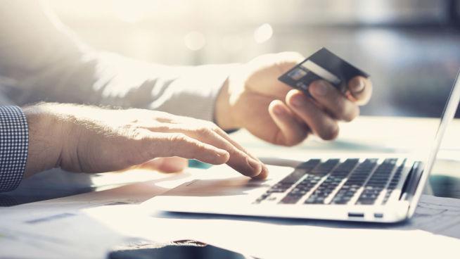 <p>SIKKERHET VIKTIG: Stadig større andel av handelen foregår over nett. Derfor er gode betalingsløsninger viktige for alle som driver nettbutikk. Foto: ISTOCKPHOTO</p>