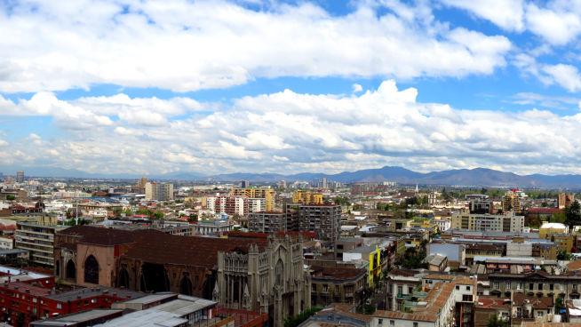 <p><b>HOVEDSTADEN:</b> Utsilkt over Santiago, Chiles hovedstad.</p>