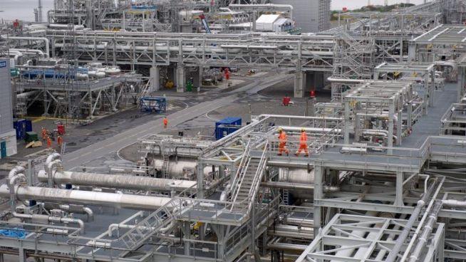 <p><b>STOREKSPORTØR:</b> Gass fra Ormen Lange-anlegget i Nyhamna i Aukra kommune på Romsdalskysten sender gass gjennom Langeled-rørledningen til Easington i Storbritannia.</p>