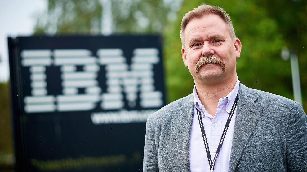 """<p>TRUES: Datamaskiner utsettes for angrep hele tiden, fra hele verden. <a href=""""https://www.if.no/web/no/bedrift/forsikringer/ansvar/data/pages/datakriminalitet.aspx?expandsection=2#section2"""" class="""""""">Sikkerhetsekspert Tommy Bårdevik i IBM gir råd til Ifs forsikringskunder om hvordan de skal sikre seg før, under og etter et angrep.</a><br/></p>"""