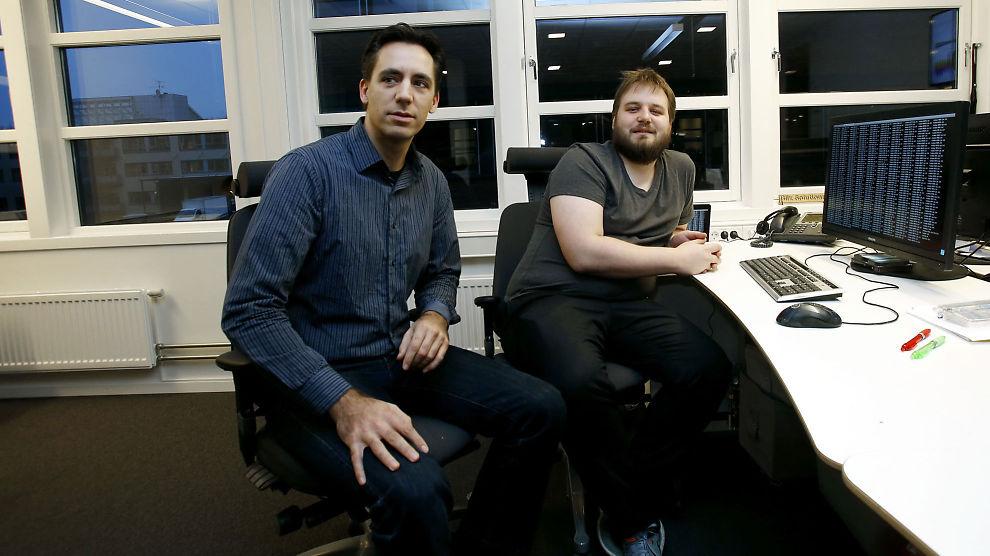 <p>FIKK HJELP: Geir Thomas Andersen i Runbox takker Eirik H. Blix i i Blix Solutions for hjelpen han fikk da Runbox ble rammet av dataangrep.</p>