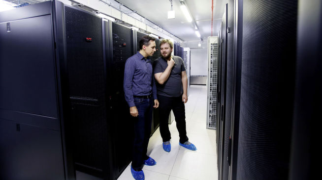<p>KUNNE BLITT DYRT: Geir Thomas Andersen i Runbox og Eirik H. Blix i Blix Solutions vant over hackerne.</p>