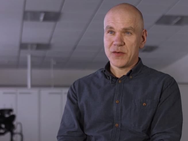 <p><b>KNYTTET SAMMEN:</b> Administrerende direktør Birger Tufte Johansen forteller at de nye løsningene fra Microsoft har knyttet de ansatte sammen på en ny måte. Foto: MICROSOFT</p>