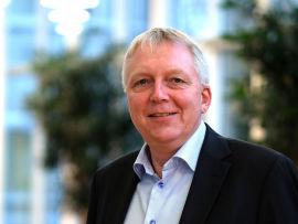 <p><b>ENKEL ADGANG:</b> – Alt man trenger er internettilgang, sier Kjell Rune Tveita, konserndirektør for IT i forsikringsselskapet If.</p>