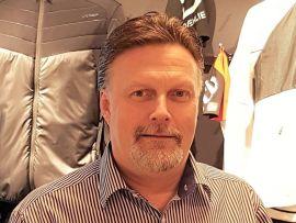 <p><b>EKSPANDERER:</b> Active Brands har i løpet av få år blitt en av Norges største produsenter av idrettsklær og utstyr.– Vi har nå virksomhet flere steder i verden, med åtte kontorer samt flere butikker, sierKnut Kristiansen,IT-direktør i Active Brands.</p>