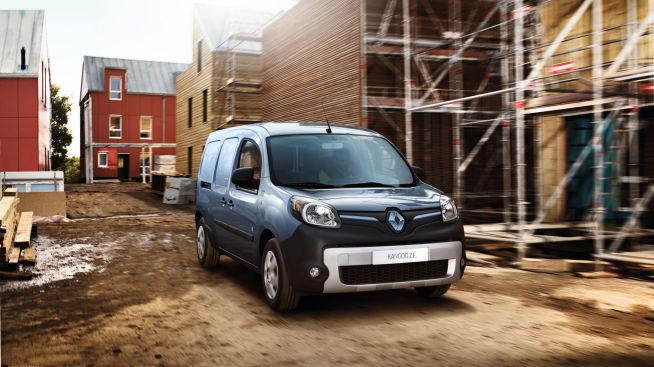 <p><b>POPULÆR:</b> – Det er flere hensyn å ta ved valg av varebil, men heller ikke til å stikke under en stol at pris er viktig, sierPaal Zachariassen, salgssjef for varebil hos Berg Auto. På bildet ses populære Renault Kangoo.</p>