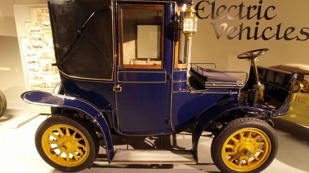 <p><b>PIONERTID:</b> De første elbilene ble produsert for over 100 år siden. På bildet ses en Hedag Electric Brougham fra 1905.</p>