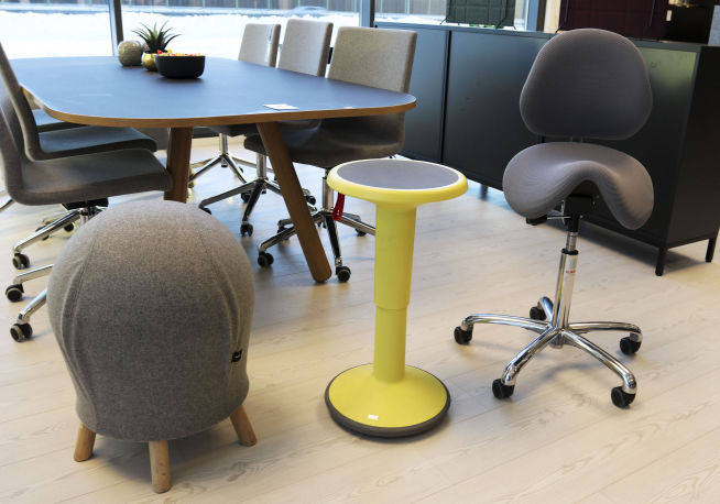 Derfor bør du ikke ha en for komfortabel stol på jobb