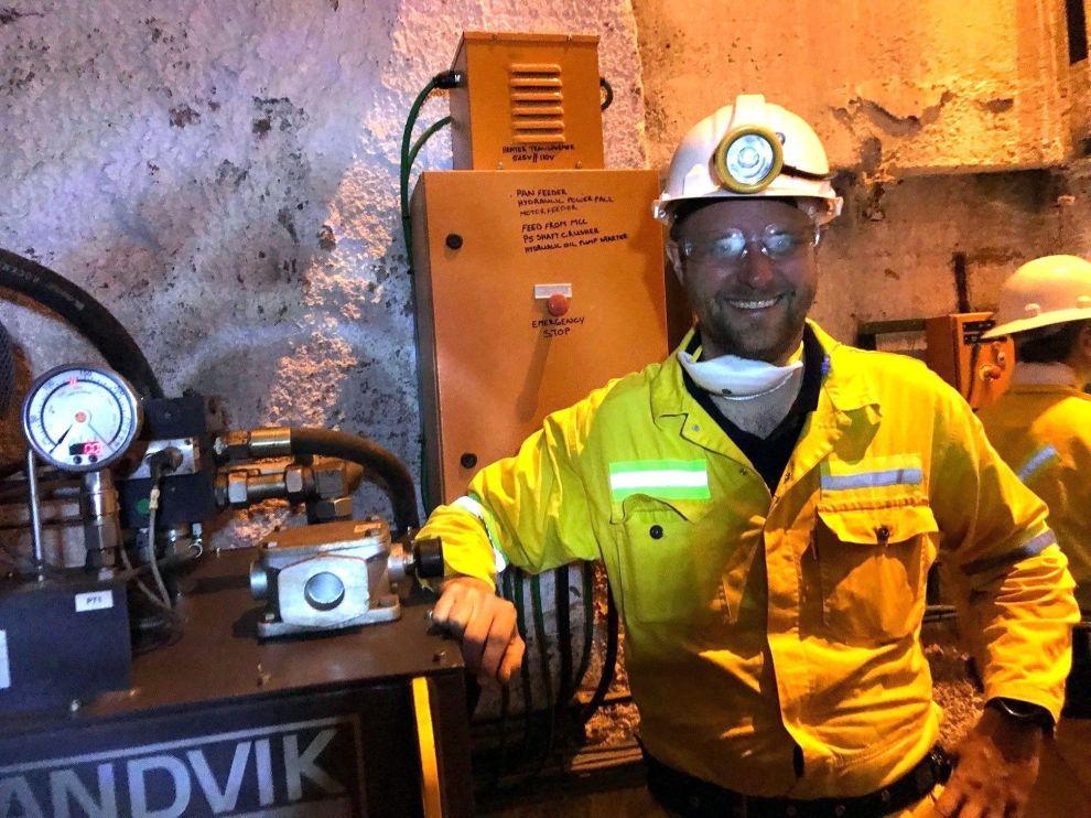 """<p>En annerledes dag på """"kontoret"""" for porteføljeforvalter Fredrik Bjelland. Med egne øyne fikk han se etableringen av gruvedriften i Kongo.</p> <p>FOTO: Privat</p>"""