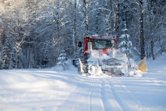 <p>Hver vinter prepareres over 2.200 kilometer med skiløyper i Oslomarka av Skiforeningen. I dag kan du følge løypemaskinene live i Skiforeningens turplanlegger på nett og preppestatus oppdateres direkte i iMarka-appen.</p>