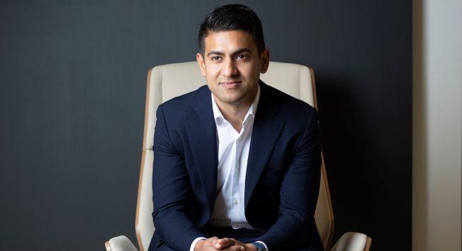 <p>RÅVAREHANDEL: Mange starter sin CFD-handel med populære posisjoner innen aksjer, olje og gull, forteller Relationship Manager Waqas Sarwar i CMC Markets.</p>